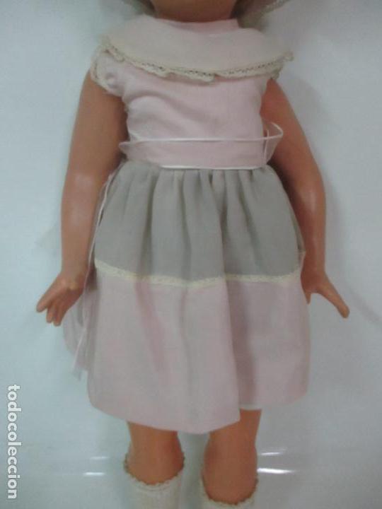 Muñeca Cayetana: Preciosa Muñeca Andadora - Marca Diana - Celuloide - Vestido Original - Cabello Mohair - 67cm Altura - Foto 3 - 147868450