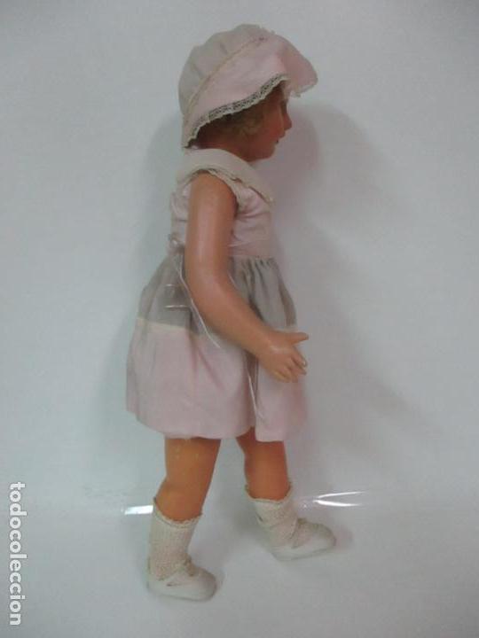 Muñeca Cayetana: Preciosa Muñeca Andadora - Marca Diana - Celuloide - Vestido Original - Cabello Mohair - 67cm Altura - Foto 9 - 147868450
