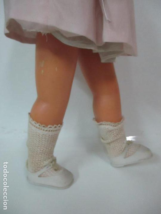 Muñeca Cayetana: Preciosa Muñeca Andadora - Marca Diana - Celuloide - Vestido Original - Cabello Mohair - 67cm Altura - Foto 10 - 147868450