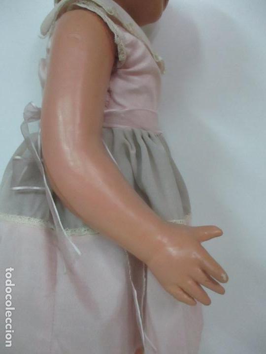 Muñeca Cayetana: Preciosa Muñeca Andadora - Marca Diana - Celuloide - Vestido Original - Cabello Mohair - 67cm Altura - Foto 11 - 147868450
