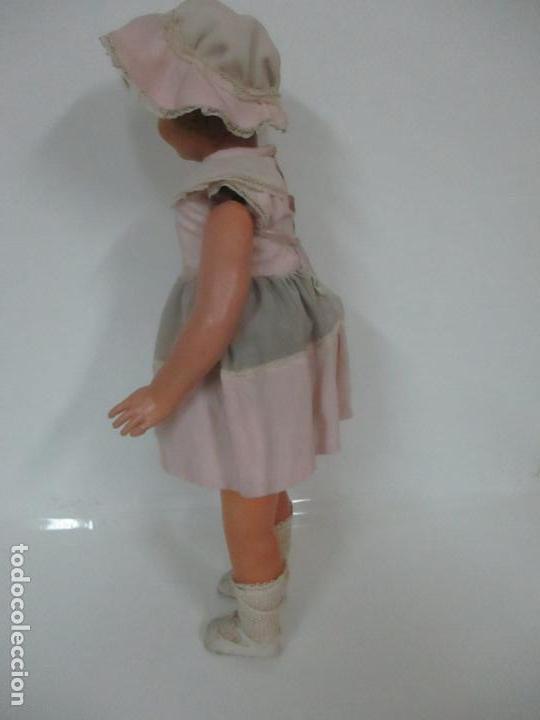 Muñeca Cayetana: Preciosa Muñeca Andadora - Marca Diana - Celuloide - Vestido Original - Cabello Mohair - 67cm Altura - Foto 18 - 147868450