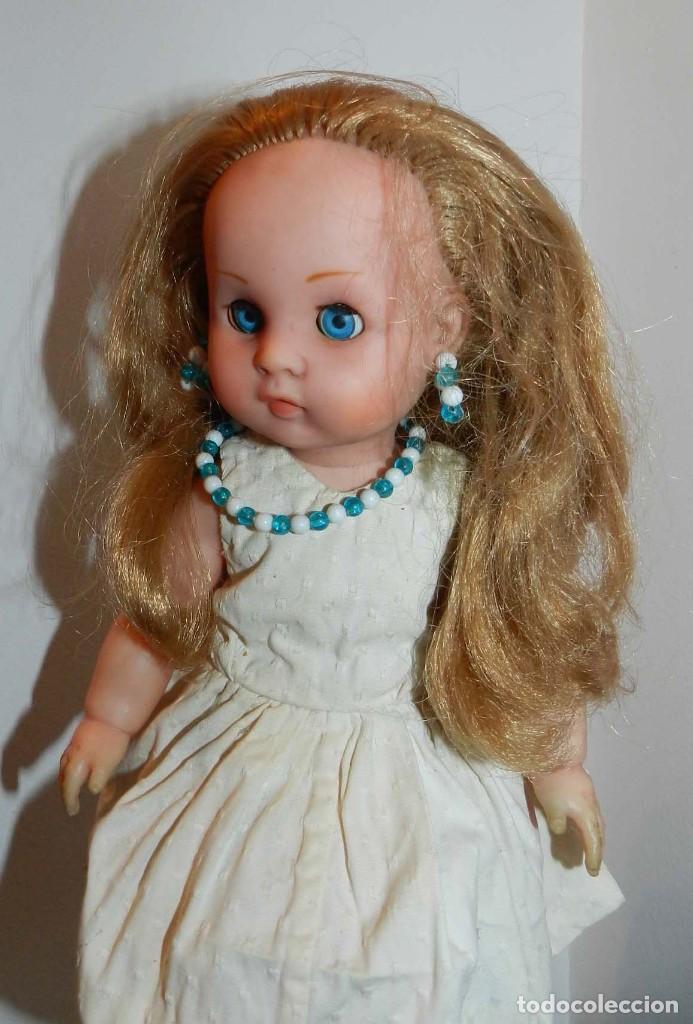 Muñeca Cayetana: Muñeca de finales de los 50, no lleva marca- cabeza y cuerpo de vinilo muy compacto, ojo durmiente - Foto 3 - 198744791