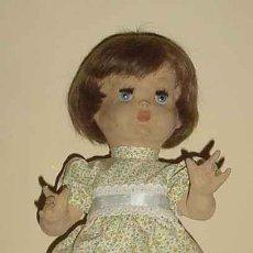 Muñeca española clasica: MUY BONITA MUÑECA MILY PIEL DE MELOCOTÓN DE LOS AÑOS 40 CREADA EN LA CASA FLORIDO- GUARDA GRAN SIM. Lote 26742305