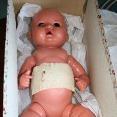 Muñeca española clasica: MUÑECO DE CELULOIDE EN CAJA ORIGINAL - APROXIMADAMENTE MIDE 50 CM. . Lote 26757009