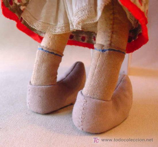 Muñeca española clasica: ARTESANAL MUÑECA, FIELTRO Y PAJA, MEDIDAS: 35 cm - Foto 3 - 18446039
