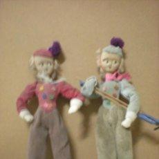 Muñeca española clasica: PAREJA DE MUÑECOS DE TRAPO CON ALAMBRE ESQUIADORES. Lote 26087176