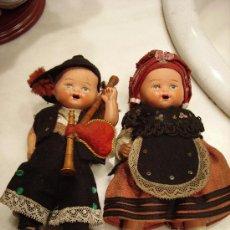 Muñeca española clasica: PAREJA DE ASTURIANOS Ó GALLEGOS EN TERRACOTA. AÑOS 30.. Lote 26518127
