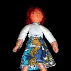 Muñeca española clasica: PEQUEÑA MUÑECA, APROX. 10 CMS. FABRICADA EN TELA, ORIGINAL AÑOS 50. EXCELENTE ESTADO.. Lote 25000492