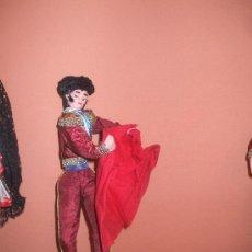 Muñeca española clasica: ANTIGUO TORERO CON CAPOTE CASA MARIN AÑOS 50. Lote 28615048