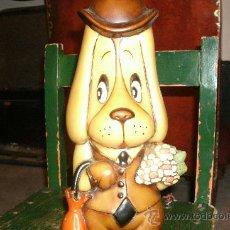 Muñeca española clasica: MUÑECO DE UN PERRITO EN PLASTICO DURO Y ORIGINAL DE LOS 60, FABRICADO EN ESPAÑA - SPAIN VINTAGE. Lote 29210367