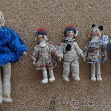 Muñeca española clasica: LOTE DE 5 MUÑECOS DE TRAPO DE AÑOS 50S. ROPAJE ORIGINAL. Lote 29339819