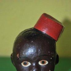 Muñeca española clasica: CABEZA DE BARRO POLICROMADA - NEGRO CON FEZ, GORRO TURCO - AÑOS 40 - MUÑECO DE TERRACOTA. Lote 32776781
