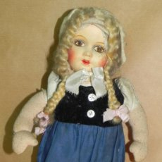 Muñeca española clasica: ANTIGUO MUÑECA DE TELA CON CARA DE COMPOSICION, VESTIDA DE HOLANDESA, TAL Y COMO SE VE E. Lote 34121910