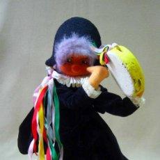 Muñeca española clasica: MUÑECA DE FIELTRO, TUNO, CON ESTRUCTURA DE ALAMBRE, FABRICADO POR BIELEN, BARCELONA, 1950S. Lote 34994636