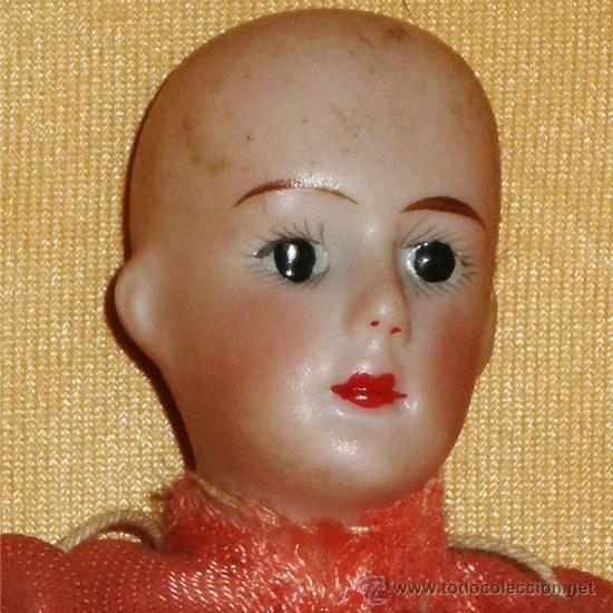 Muñeca española clasica: MUÑECA ALARGADO, CABEZA, PECHO, BRAZOS, MANOS Y PIES DE PORCELANA. CON VESTIDO CHINO. S/MARCA - Foto 2 - 36976734