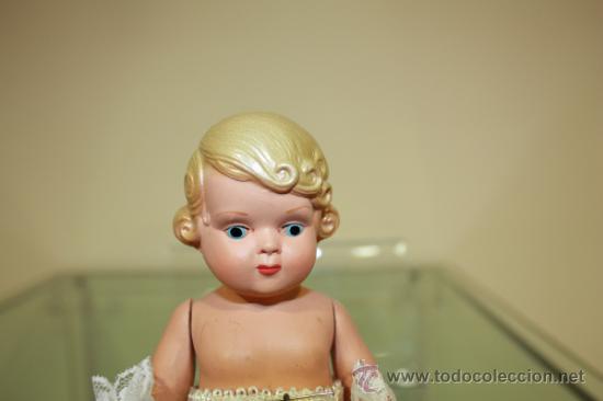 Muñeca española clasica: Muñeco celuloide antiguo Querubin con ropa de acristianar.Marca JC-SA años 50-60 - Foto 10 - 37556442