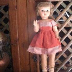 Muñeca española clasica: ANTIGUA MUÑECA ESPAÑOLA ANDADORA DE PAPEL MACHÉ - ORIGINAL DE LOS AÑOS 50. Lote 38077110