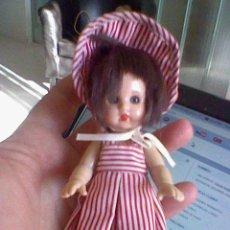 Muñeca española clasica: PEQUEÑA MINI MARIQUITA PEREZ VESTIDA UNOS 13 CMS APROX.. Lote 38928660