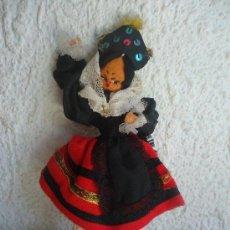 Muñeca española clasica: MUÑECA DE FIELTRO CON TRAJE REGIONAL AÑOS 60. Lote 39266915