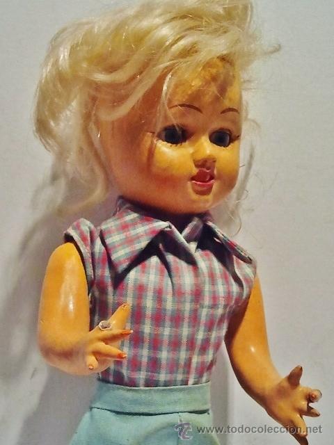 Muñeca española clasica: Preciosa muñeca de cartón piedra y cara de plástico. Ojos duermientes y traje original. - Foto 2 - 39601776