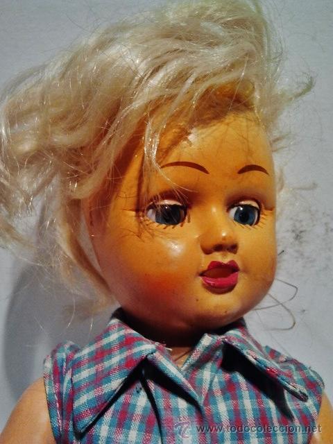 Muñeca española clasica: Preciosa muñeca de cartón piedra y cara de plástico. Ojos duermientes y traje original. - Foto 3 - 39601776