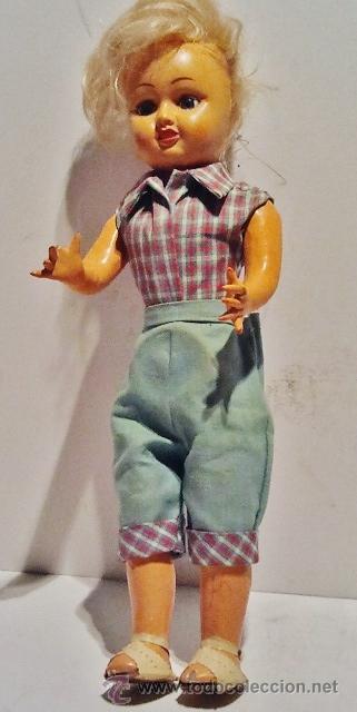 Muñeca española clasica: Preciosa muñeca de cartón piedra y cara de plástico. Ojos duermientes y traje original. - Foto 4 - 39601776