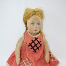 Muñeca española clasica: MUÑECA DE FIELTRO N.A.T.I - VESTIDO DE FIELTRO - CARITA PINTADA A MANO - 43 CM - AÑOS 30. Lote 40423567