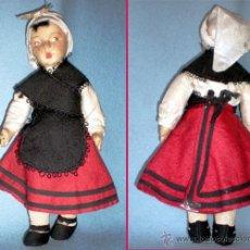 Muñeca española clasica: MUÑECA REGIONAL ASTURIANA, CABEZA PIEL DE MELOCOTON EL RESTO DE TRAPO. CREO DE CASA PAGES. 25 CM.. Lote 41002183