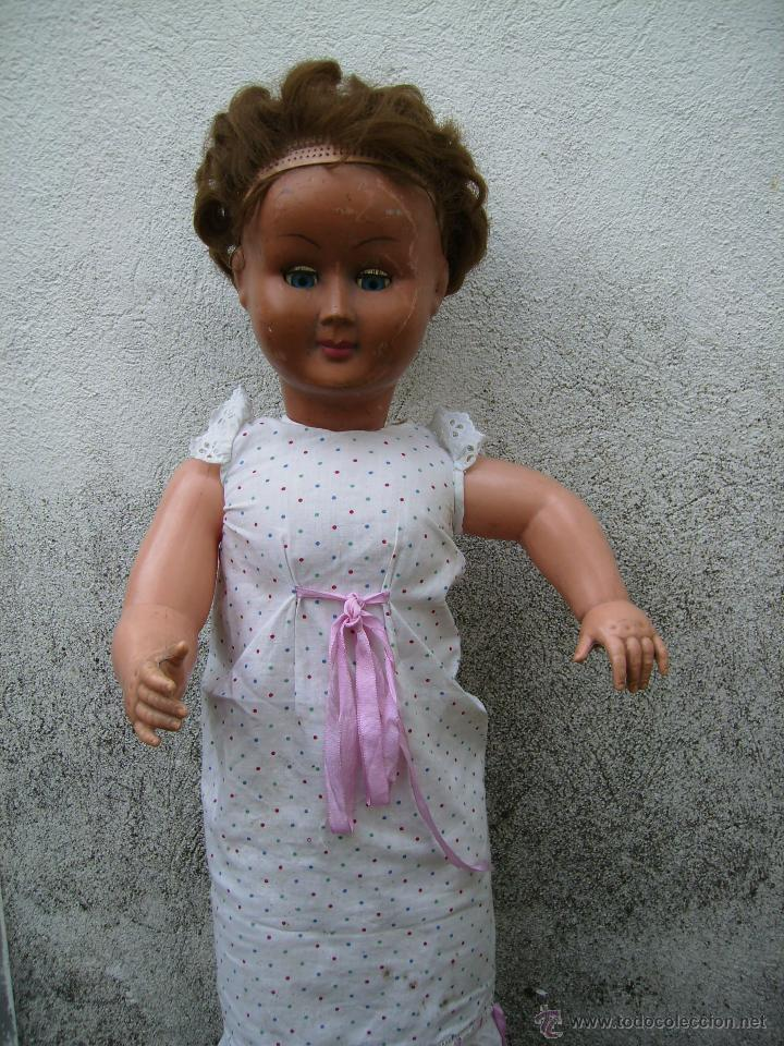 Muñeca española clasica: bonita muñeca composicion de plastico y cabeza de celuloide 74cms años 50 - Foto 2 - 41060008