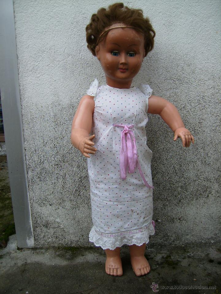 Muñeca española clasica: bonita muñeca composicion de plastico y cabeza de celuloide 74cms años 50 - Foto 3 - 41060008