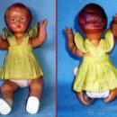 Muñeca española clasica: MUÑECA DE CELULOIDE, NIÑA PEQUEÑA VESTIDA 18 CM. LEVANTA BRAZOS. CIRCA 1940. Lote 42096125