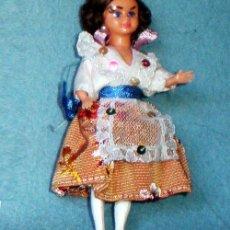 Muñeca española clasica: MUÑEQUITA DE CELULOIDE ATAVIADA DE VALENCIANA, OJOS DURMIENTES, CABEZA Y MIEMBROS ARTICULADOS.12 CM.. Lote 42108791