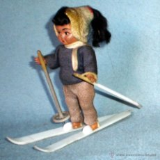 Muñeca española clasica: MUÑECA ESQUIADORA DE CELULOIDE PERFECTA Y COMPLETA AÑOS 50. ALTURA 10 CM.. Lote 42116734