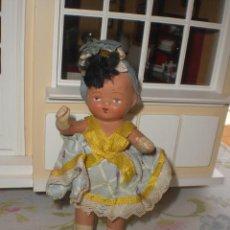 Muñeca española clasica: ANTIGUA MUÑECA DE TERRACOTA CON SU ROPA ORIGINAL AÑOS 40. Lote 43263872