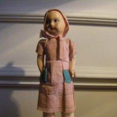 Muñeca española clasica: MUÑECA DE CARTÓN PIEDRA CAPERUCITA ROJA AÑOS 30 JUGUETE REALIZADO EN VALENCIA. Lote 44071636