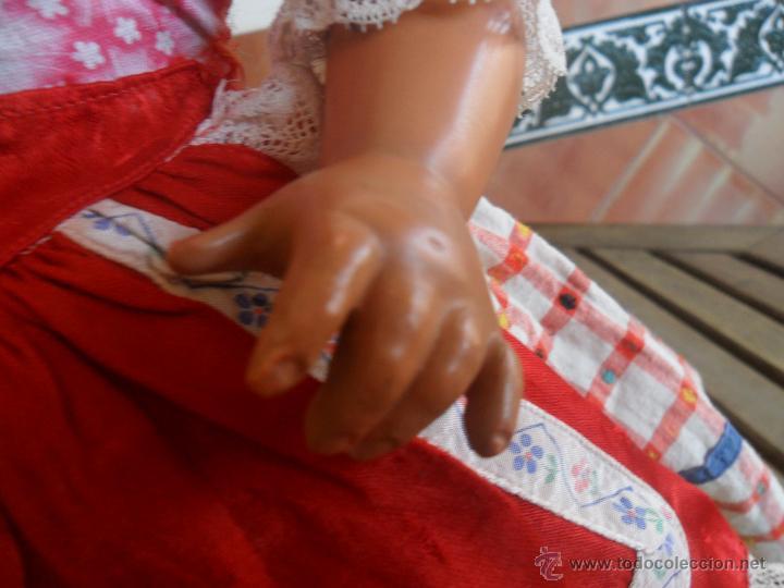 Muñeca española clasica: PRECIOSA MUÑECA NO PONE MARCA CON TRAJE REGIONAL DE CELULOIDE MIDE 45 CM - Foto 4 - 44950642
