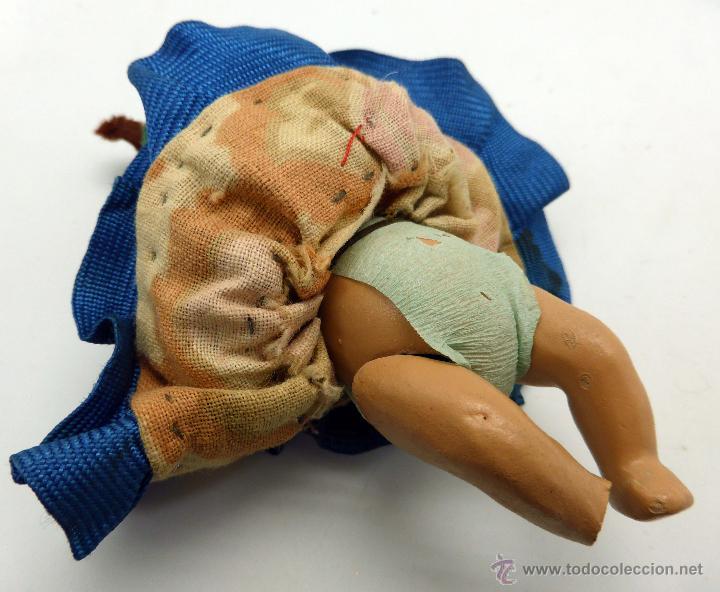 Muñeca española clasica: Muñeco bebé terracota con ropa original sevillana flamenca años 40 - 50 9 cm - Foto 4 - 45686108