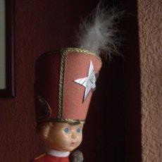 Muñeca española clasica: MUÑECA DE PLASTICO CON VESTIDO DE MAJORETTE DE 27 CM. DE ALTURA AÑOS 60. Lote 47647434