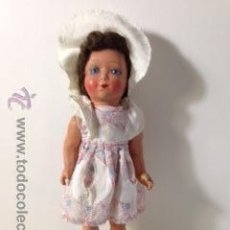 Muñeca española clasica: MUÑECA ANDADORA ANTIGUA CON SOMBRERO. CÒMO NUEVA.. Lote 48975354