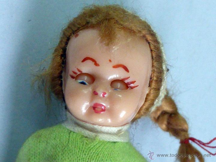 Muñeca española clasica: Muñeca esquiadora celuloide pelo y ojo durmiente años 50 10 cm alto - Foto 3 - 48975793