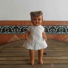 Muñeca española clasica: MUÑECA ESPAÑOLA EN CARTON PIEDRA SIMILAR A MARICELA 37 CM DE ALTURA CON LLORON OJOS DURMIENTES. Lote 49208011