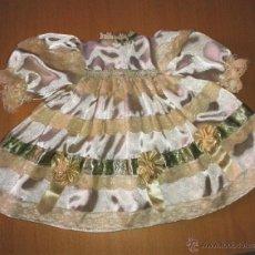 Muñeca española clasica: VESTIDO MUÑECA ANTIGUA RASO NUEVO. Lote 49241353