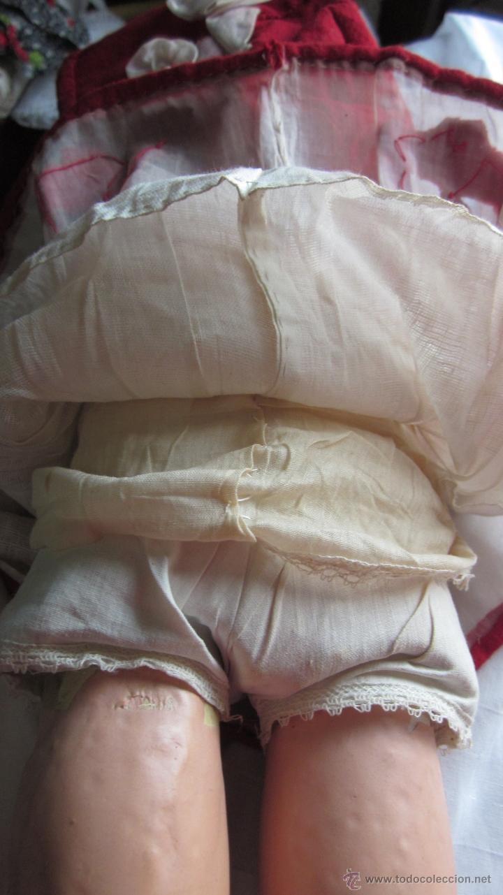 Muñeca española clasica: Antigua muñeca andadora con vestido original Tentaciones - Foto 4 - 30231223