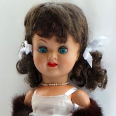 Muñeca española clasica: MUÑECA VIOLETA DE FAMOSA - CARTÓN PIEDRA. Lote 51248460