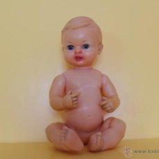 Muñeca española clasica: ANTIGUO MUÑECO SIN MARCAR DE GOMA DE LOS LLAMADOS DE CARNE AÑOS 50. Lote 51801933