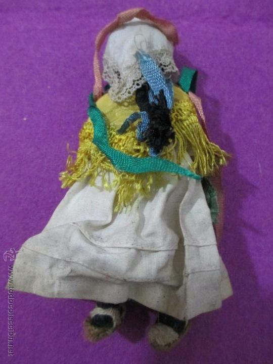 Muñeca española clasica: MUÑECA ANTIGUA PLASTICO DURO, PELO DE HILO, MIDE APROX. 14,5 CM - Foto 3 - 52393544