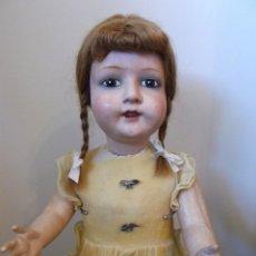 Muñeca española clasica: GRAN MUÑECA ESPAÑOLA DE CARTÓN 75 CM VESTIDA DE ORIGEN AÑOS 30-40. Lote 52814064