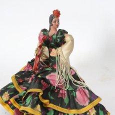 Muñeca española clasica: MUÑECA ANDALUZA, CARA DE MATERIAL TIPO CARTON PIEDRA, CUERPO DE TRAPO. ANTIGUA, VER FOTOS!. Lote 53823850