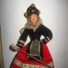 Muñeca española clasica: BONITA MUÑECA ROLDAN - VESTIDA CON TRAJE REGIONAL SEGOVIANA - MEDIDA 25 CENTIMETROS -. Lote 53831944