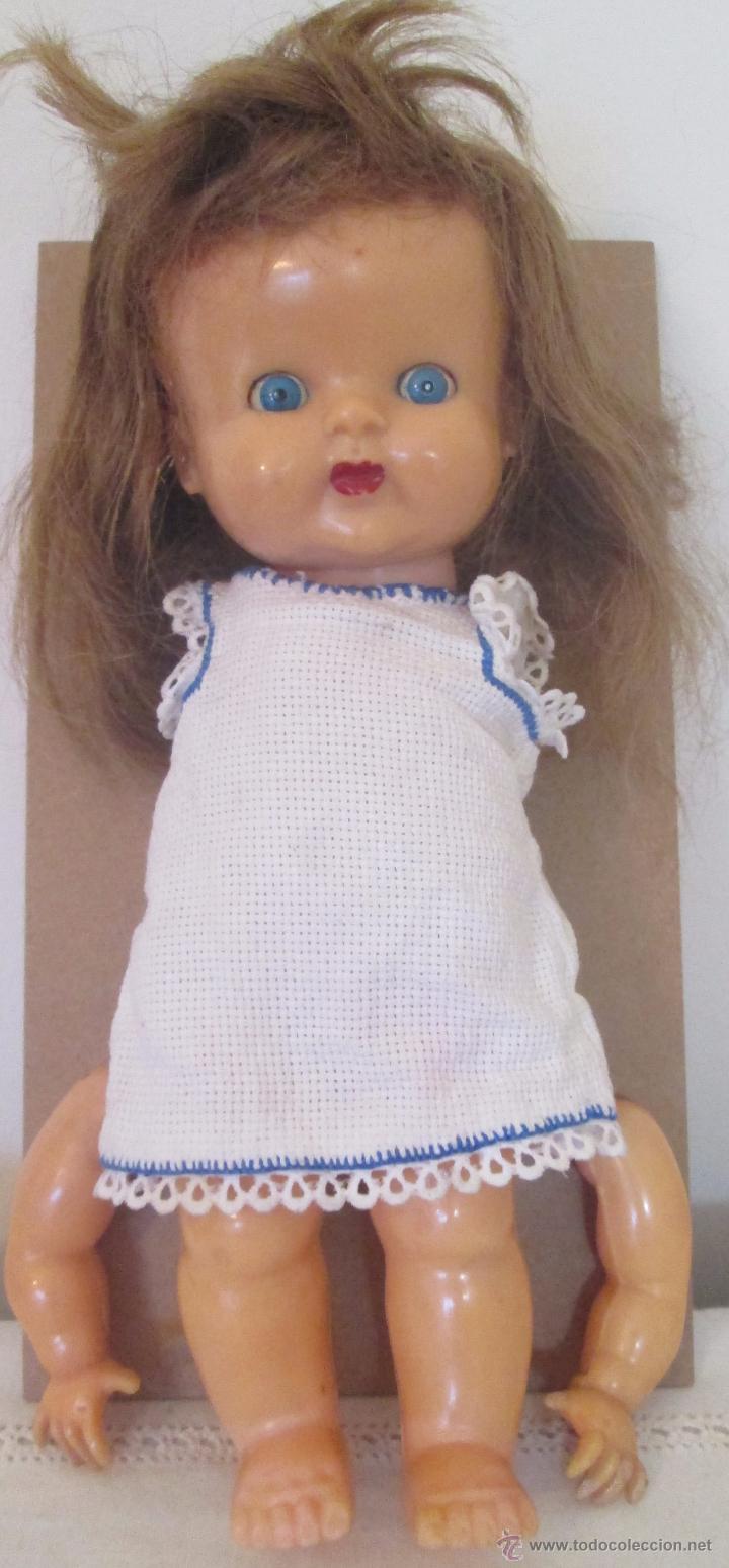 Muñeca española clasica: Antigua muñeca en plástico duro. Mide 29cm - Foto 2 - 53965231